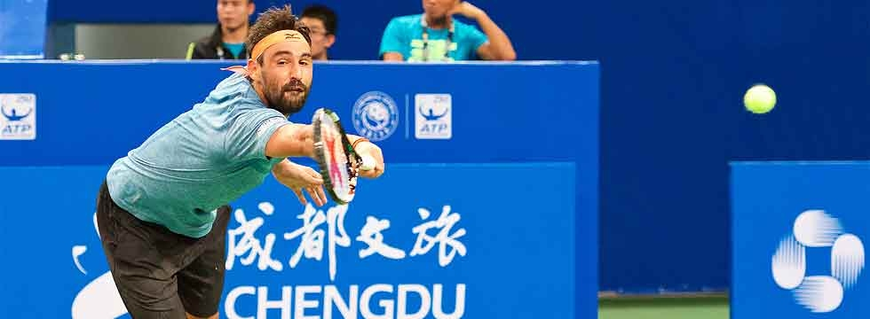Marcos Survives First Round Thriller In Chengdu